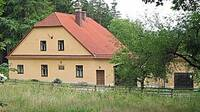 budislavská hájenka, kde pobývala spisovatelka T. Nováková