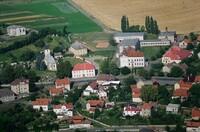 letecký pohled na střed obce